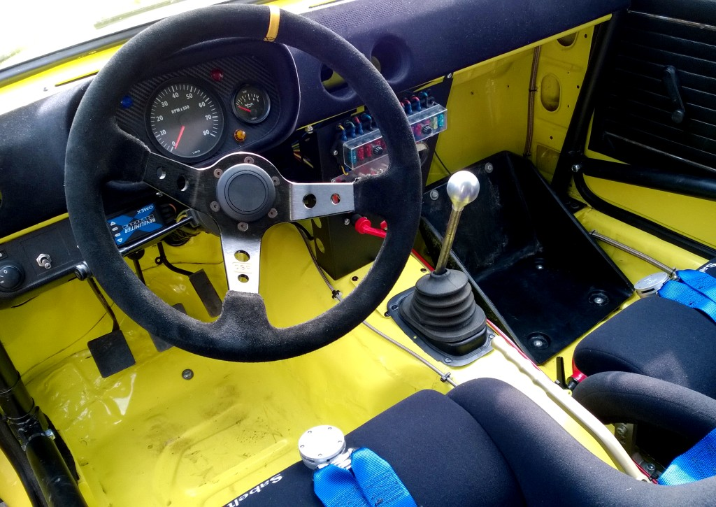Essai opel kadett gt e groupe 2 conrero simeone racing for Opel kadett e interieur